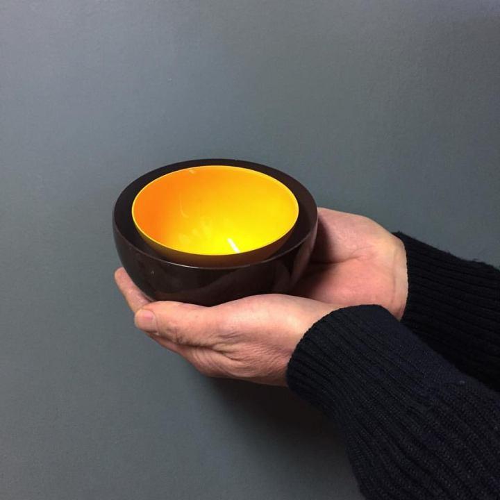 david-peddler-holding-fruchoc-bowl