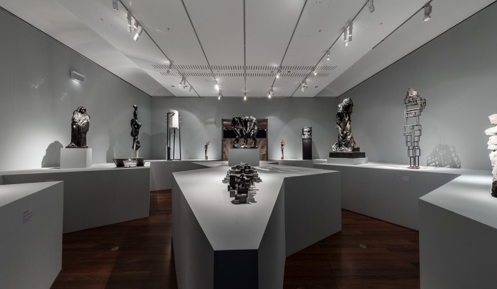 20170301 Versus Rodin Exhibition Installation SRGB 2000px Photo Saul Steed 0Z2Y9586